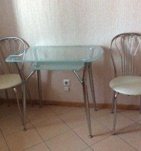 Стеклянный кухонный стол и 2 стула