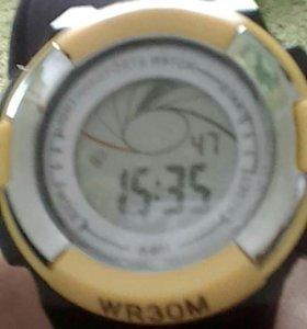 Спорт часы,водонепроницаемые