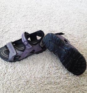 Обувь для девочки в идеальном состоянии