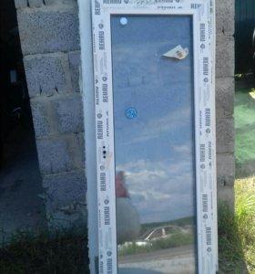 Продам окно и дверь rehau