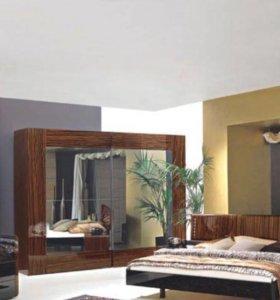 Комплект мебели для спальной комнаты Италия