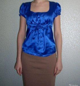 Синяя атласная блузка