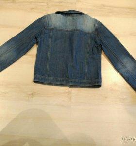 Джинсовая куртка на девочку-подростка