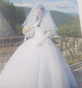 Платье свадебное р-р  44-46