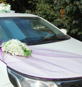 Украшения на машину в фиолетовом  цвете