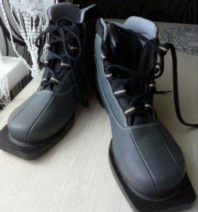 Лыжные ботинки Marax. Возможен торг.
