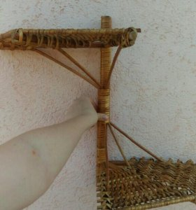 Полка из плетеной соломки