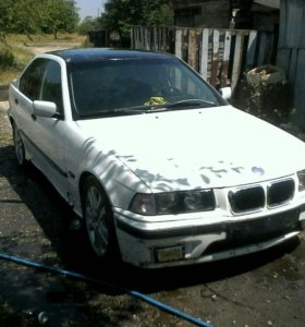 BMW е320i