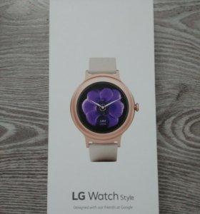 Умные часы LG Watch Style W270