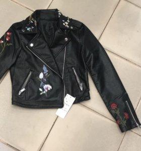 Новая кожаная куртка косуха черная вышивка цветы