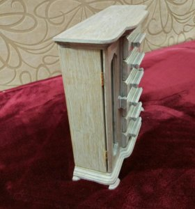 Трюмо (шкафчик) для украшений