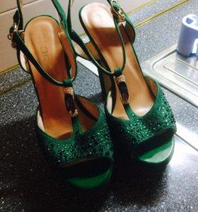 Босоножки, обувь