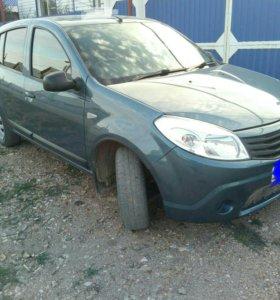 Renault Sandero 1,6MT , 2012г