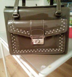 Лакированная сумка женская