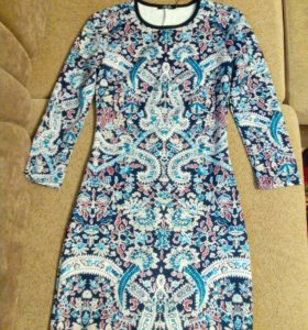 Платье,р-р40