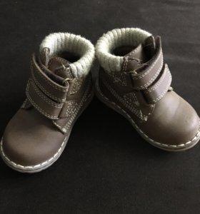 Ботинки детские 19 размер