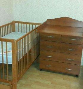Продам кроватку Гандылян с матрацем + комод