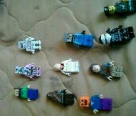 Продам мини фигурки лего и оружие