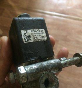Клапан электромагнитный Камаз МАЗ , 4 выхода 24V