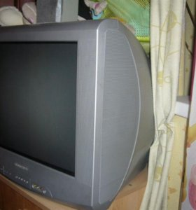"""Цветной телевизор """"Горизонт"""" продам."""