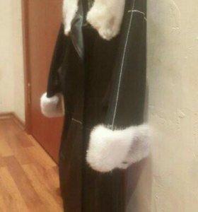 Продам кожаное пальто с мехом норки в Находке