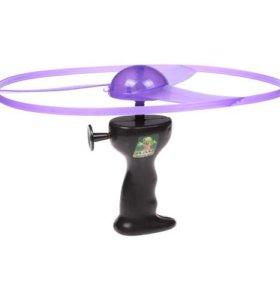 Тарелка НЛО с запуском и светом
