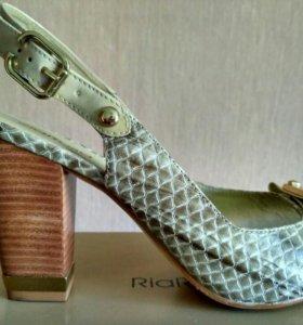 Туфли из натуральной кожи(39р)
