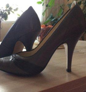 Туфли для миниатюрной ножки размер 34