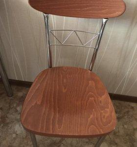 Стол кухонный с 4 стульями
