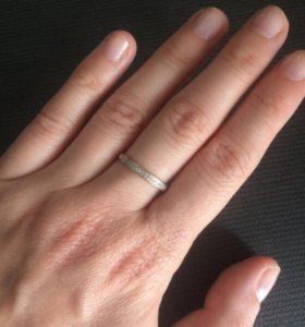 Золотое кольцо с бриллиантами. Торг уместен