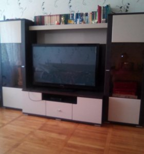Стенка с местом под телевизор
