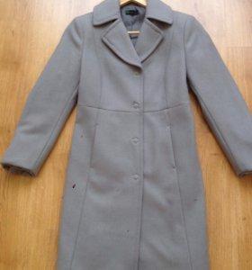 Пальто новое beneton 36 размер