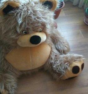 Мягкая игрушка - медведь.
