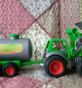 Игрушечный трактор 🚜