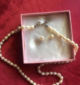 Ожерелье речной жемчуг, серьги гвоздики
