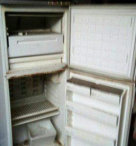 """Холодильники""""Бирюса""""1993"""