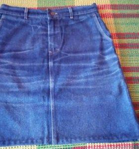 Джинсовая юбка 48 размера.