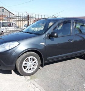 Renault/Sandero/2010