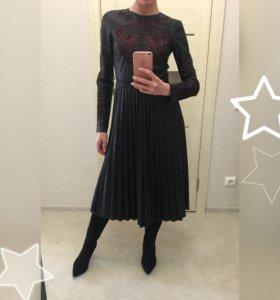Платье с вышивкой и плиссированной юбкой 🔥-20%