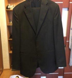 Продаётся костюм stockmann