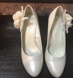 Свадебные Туфли цвет айвори р 39 и колготки айвори