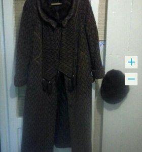 Зимнее пальто и норковый берет