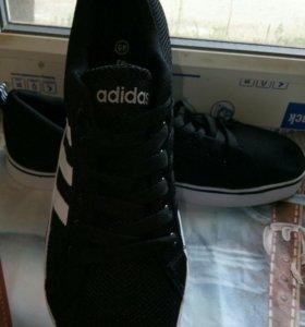Кроссовки новые 45 размер