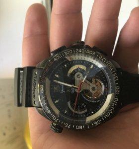 Часы Швейцарские Grand Carrera