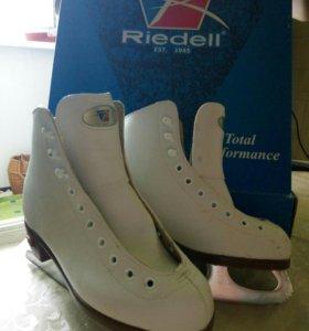 Коньки фигурные детские Riedell