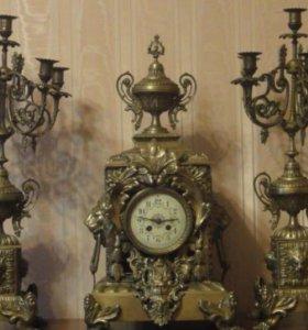 Бронзовые часы с подсвечниками
