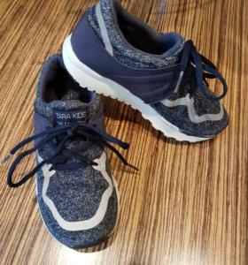 Новые кроссовки зара 32