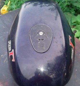 Продам бак Suzuki RG 250