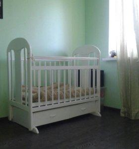 Кроватка-маятник