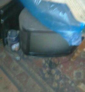 Телевизор работающий